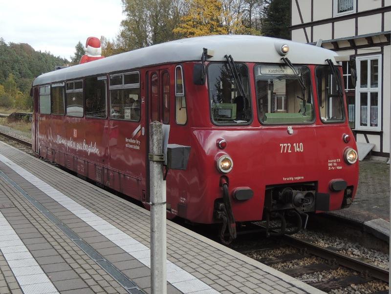 DR-Ferkeltaxi im Bahnhof Sitzendorf-Unterweißbach
