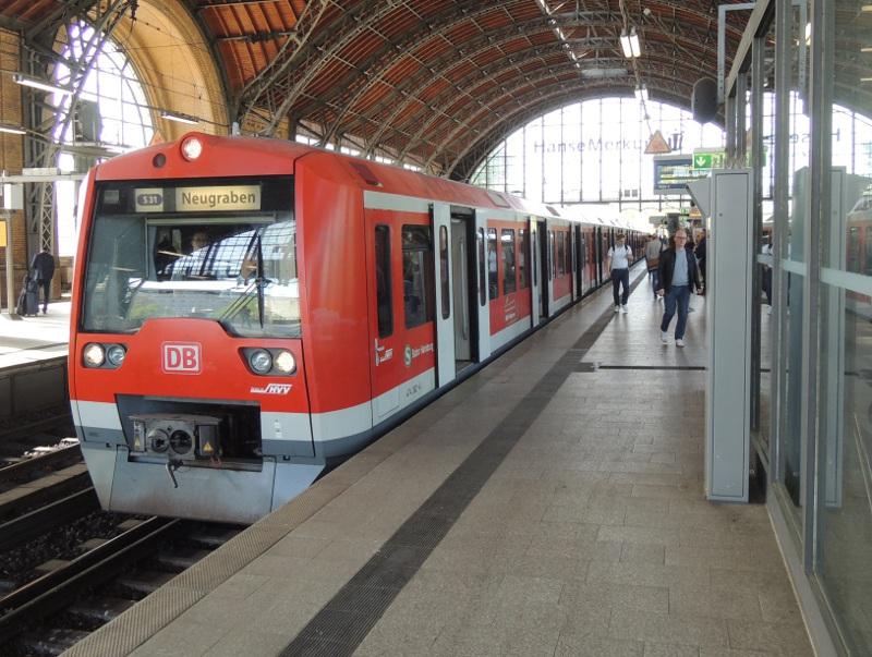 DB-BR 474 in Hamburg Hbf